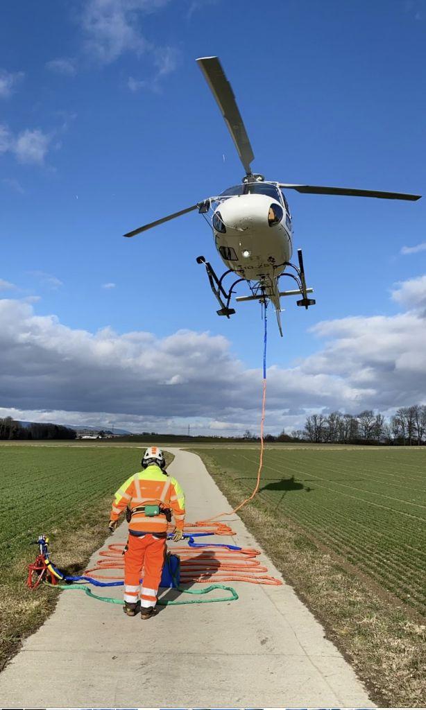 transport-de-marchandises_levage-helicoptere-travaux-4
