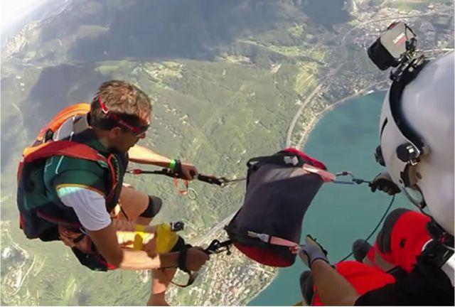 saut en parachute prix cadeau suisse helicoptere-1