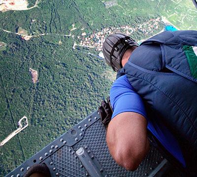 saut en parachute prix cadeau suisse helicoptere-2